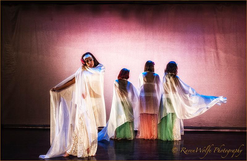 Sarah Sisters - RavenWolfe-03.jpg