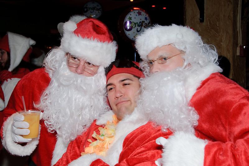 2009 ALS Santa Crawl-139.jpg