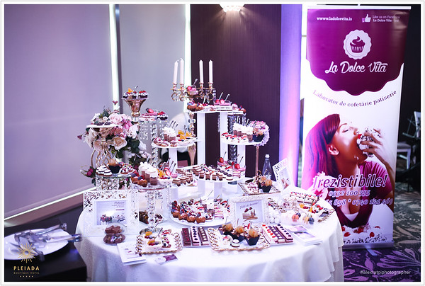 Candy Bar & Cakes