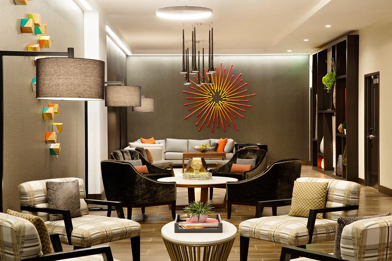 17-Lounge-Hampton Dallas.jpg
