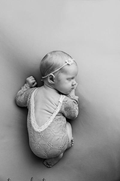 Autumn-Newborn-Low-Resolution370A0207-Edit-2.jpg