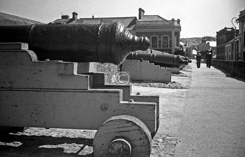 Cannon near Shipquay Gate.