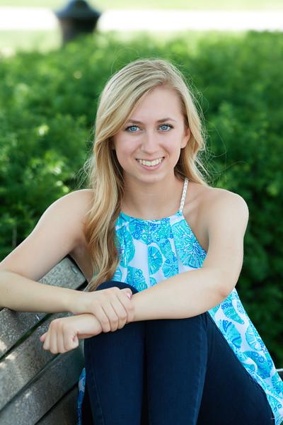 Megan Senior Pictures 0073 0.jpg