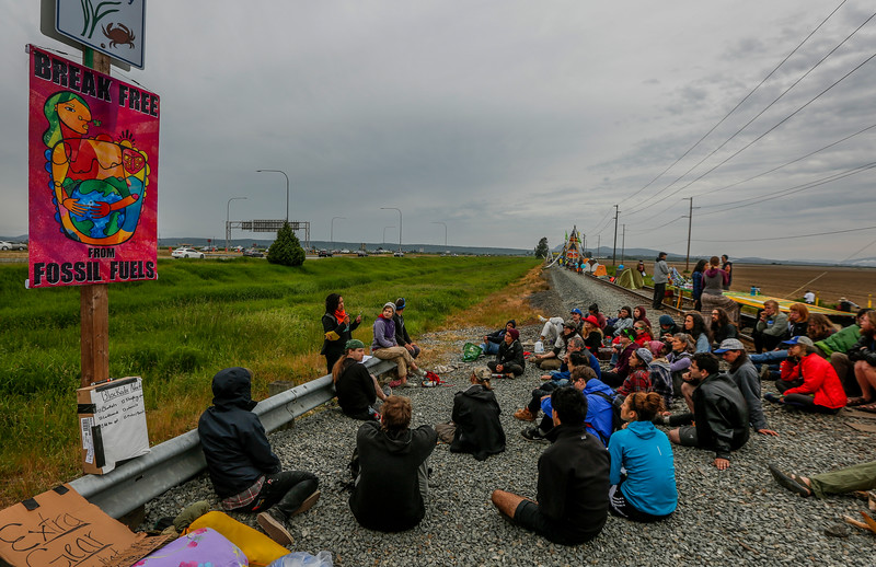 160514_OilProtest_05.jpg