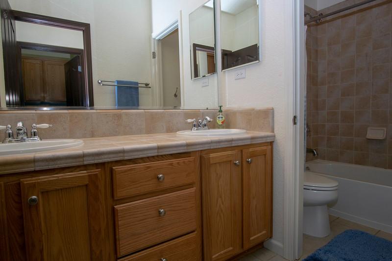 bathroom 1c.jpg
