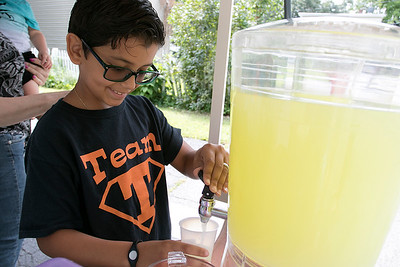 Team Thiago lemonade stand, August 17, 2019