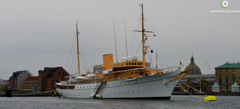 Thats one beautiful ship.jpg