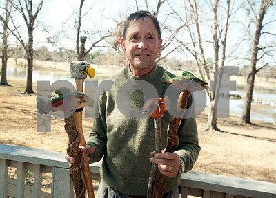 retired-city-worker-finds-therapy-in-woodcarving