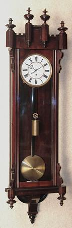 VR-558 Gothic style Vienna Regulator Timepiece