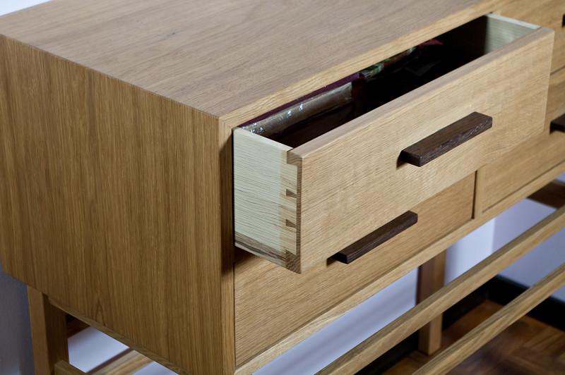 Sideboard in oak, drawer detail