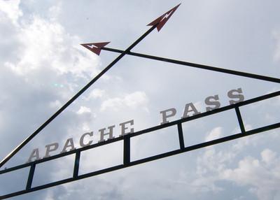 10/08/11 - Art Outside at Apache Pass