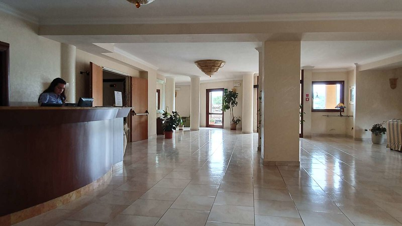 003 -  ROMA DOMUS HOTEL - LOBBY.jpg
