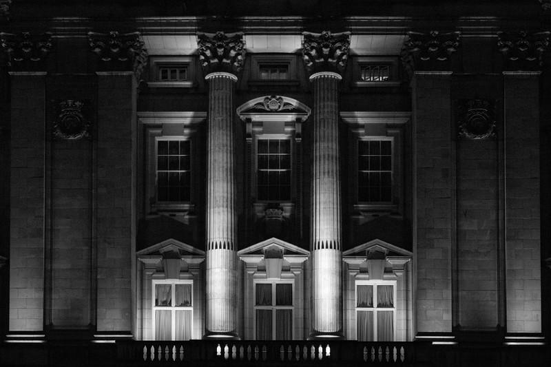 Buckingham Palace, Night