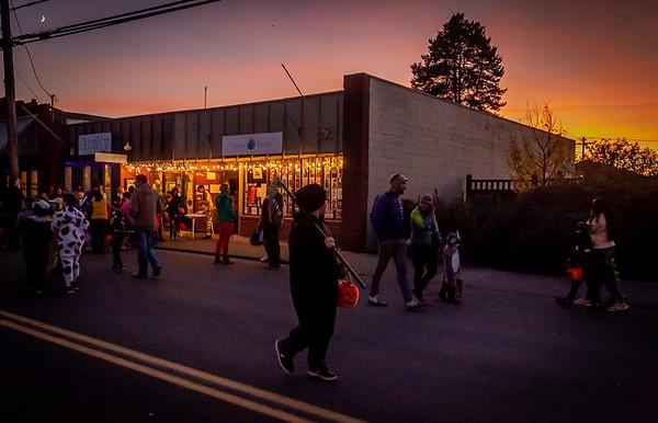 Running out of light, Set five: Halloween on Vashon Island 2019
