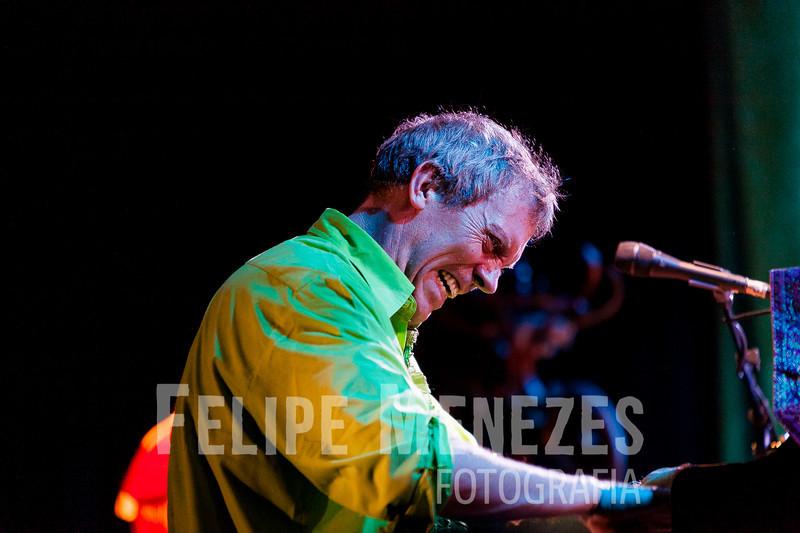 Hugh Laurie_Site_067.jpg
