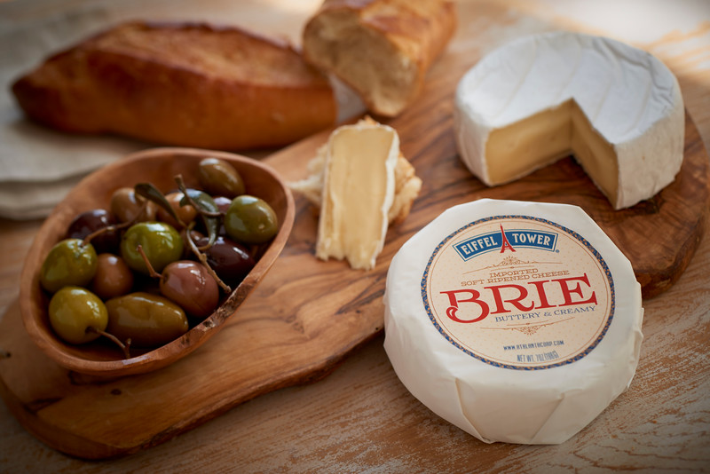 Brie_7oz_with_Label_Horizontal_060a.jpg