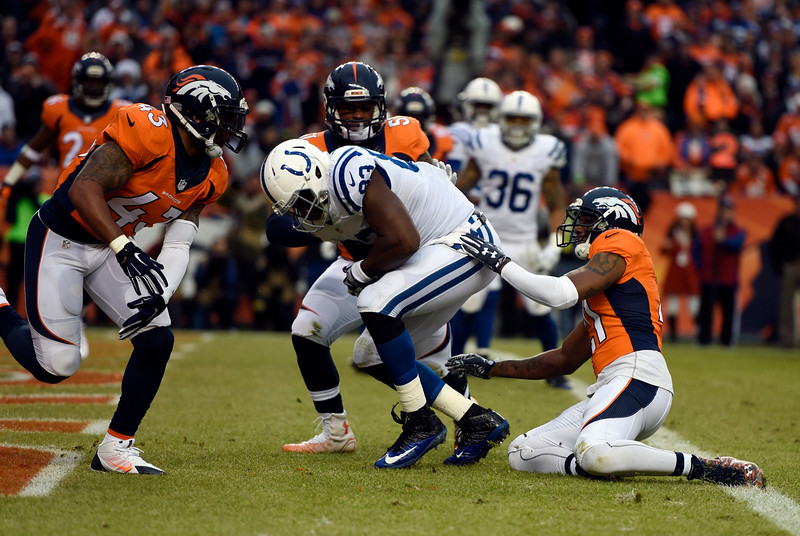 . Dwayne Allen (83) of the Indianapolis Colts scores a touchdown in the second quarter.  The Denver Broncos played the Indianapolis Colts in an AFC divisional playoff game at Sports Authority Field at Mile High in Denver on January 11, 2015. (Photo by Tim Rasmussen/The Denver Post)