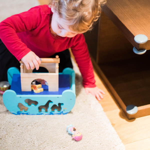 Fred_Home_Safety_Corner_Protector_Lifestyle_girl_playing.jpg