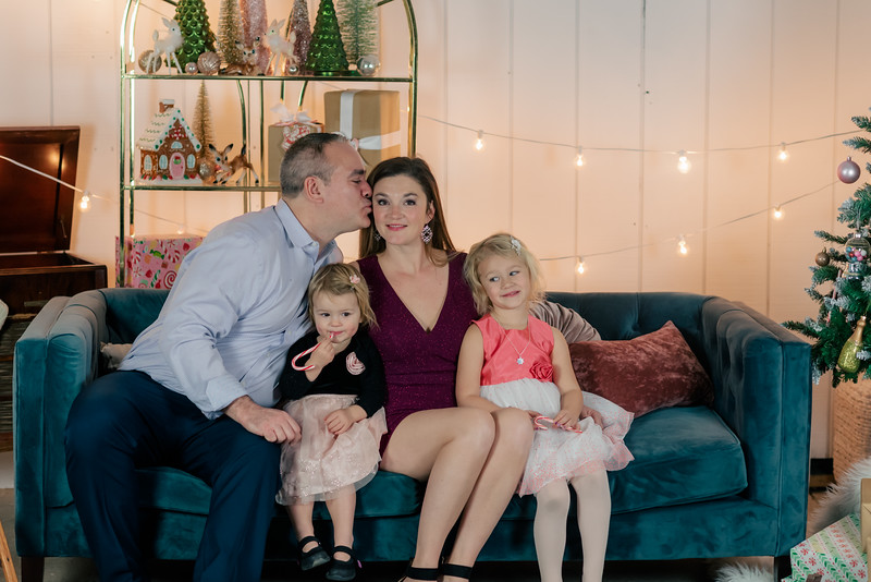 Therrien Family December 2020-23.jpg