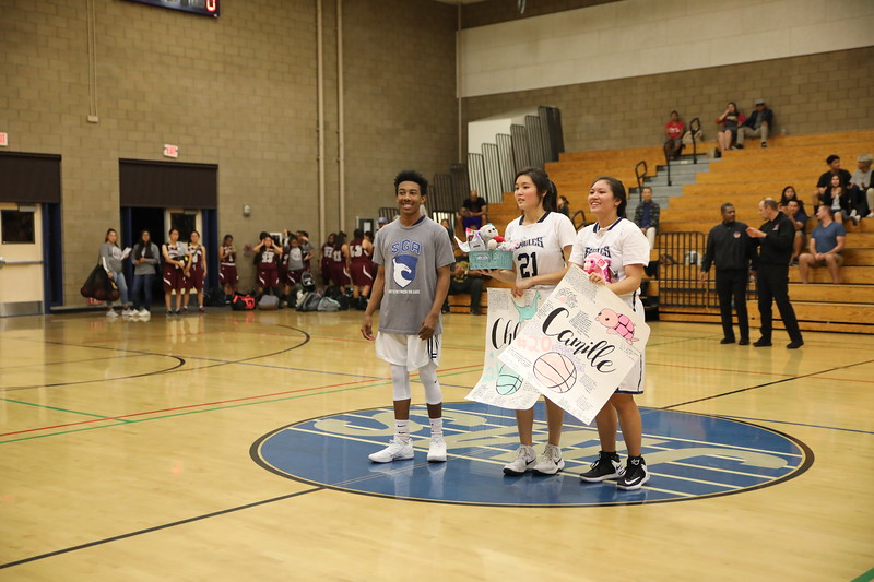 BBSeniorNight020818_018.jpg