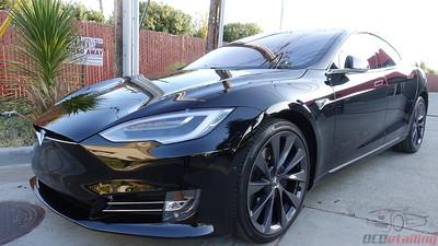 Tesla Model S - Black