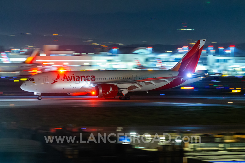 Avianca 787-8 - N782AV - LAX