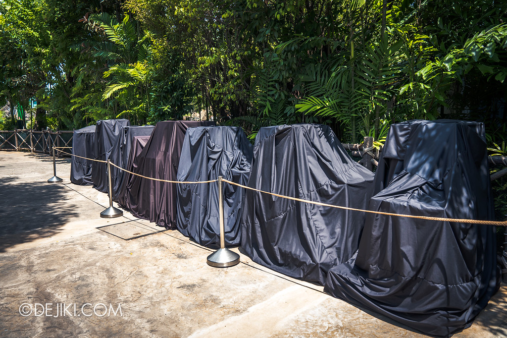 Universal Studios Singapore Halloween Horror Nights 8 construction update / Zombie Laser Tag covered props