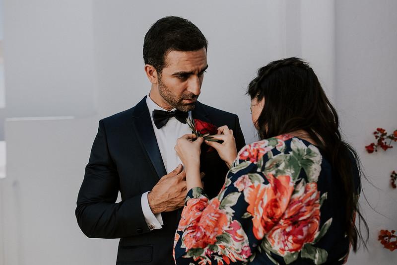 Tu-Nguyen-Destination-Wedding-Photographer-Santorini-Rocabella-Hotel-Euna-Ehsan-178.jpg