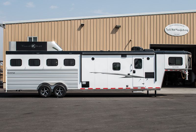 2019 TW Horse Trailers & Tack Rooms-165-2.jpg