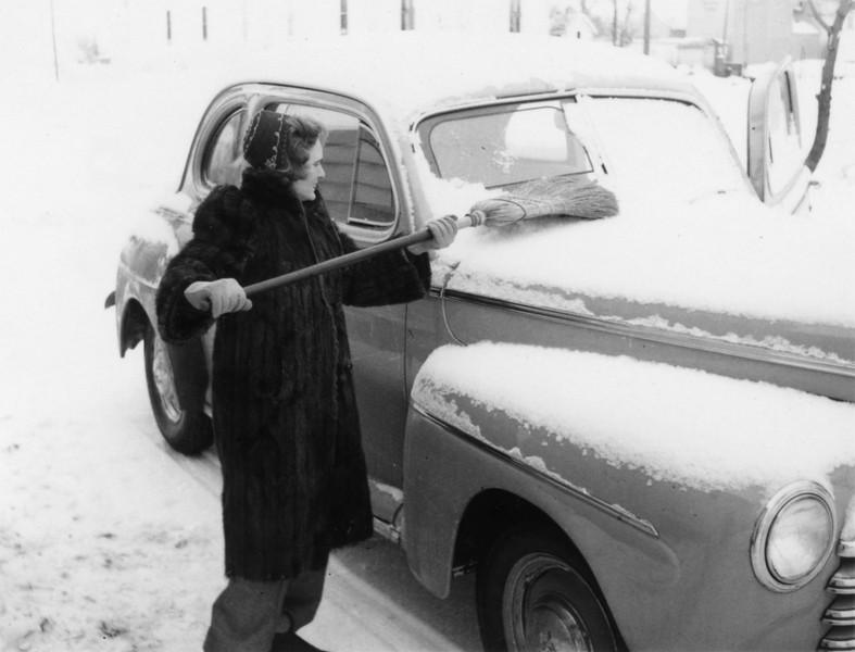 AR048.  Katherine {Kilbourne} Burgum (K) - fur coat,  snow o.jpg