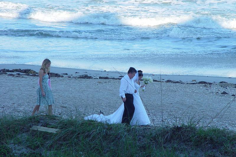 sunset_wedding_Norwood_Ave_009.jpg