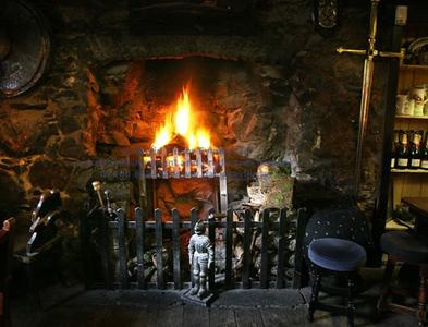 Country pub Drovers Inn 50 mins N of Glasgow
