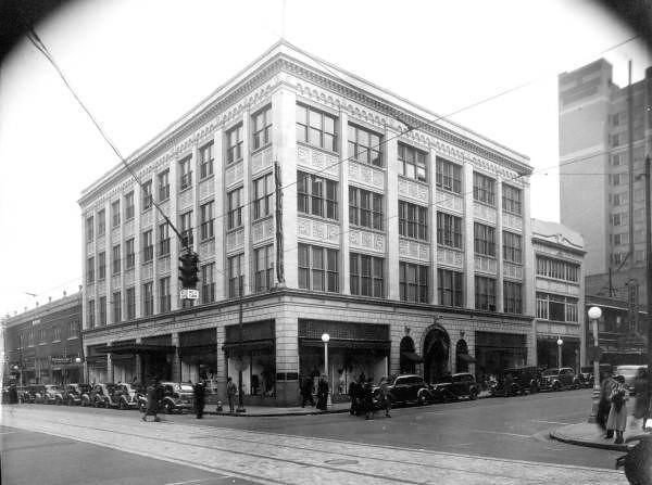 129 Adams 1930s.jpg