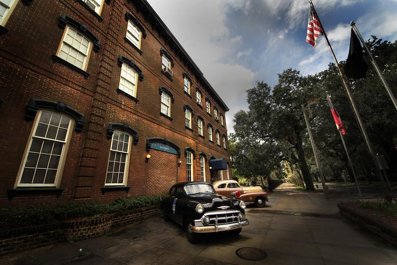 Savannah police.jpg