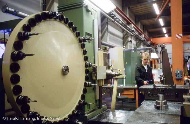 Norsk forsvarsteknologi, NFT, cnc-maskin