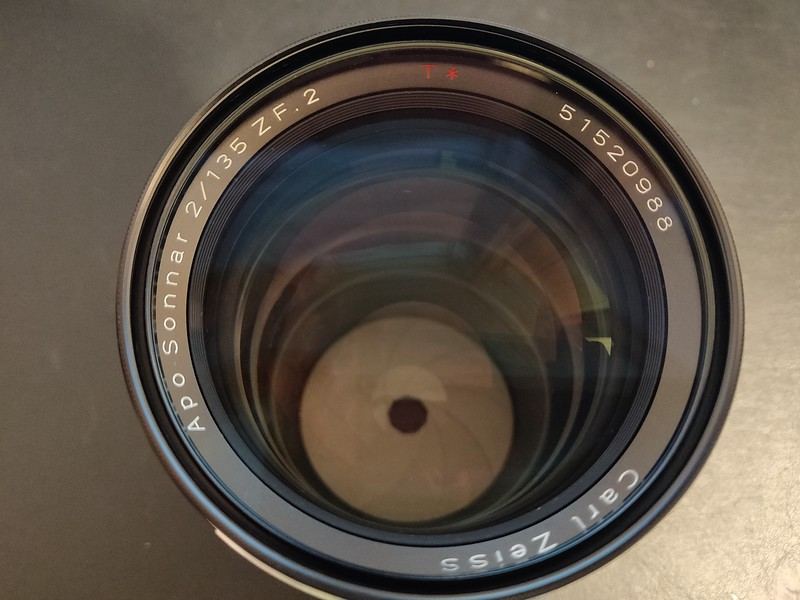 Zeiss APO 135 2.0 003 - Serial 51520988.jpg
