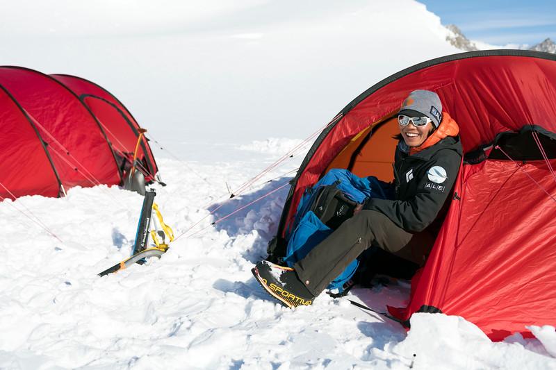 Climb Antarctica Women -1-11-18099833.jpg