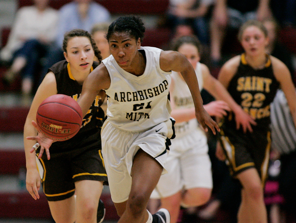 . Mitty\'s Kelli Hayes takes off with the ball after a steal in the second quarter during the CCS Open Division girls basketball finals at Santa Clara University in Santa Clara, Calif. on Saturday, March 2, 2013. The Archbishop Mitty Monarchs played the Saint Francis Lancers. (Jim Gensheimer/Staff)