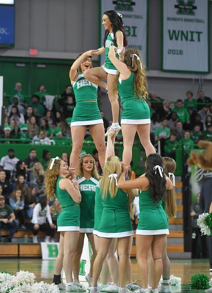 cheerleaders4817.jpg