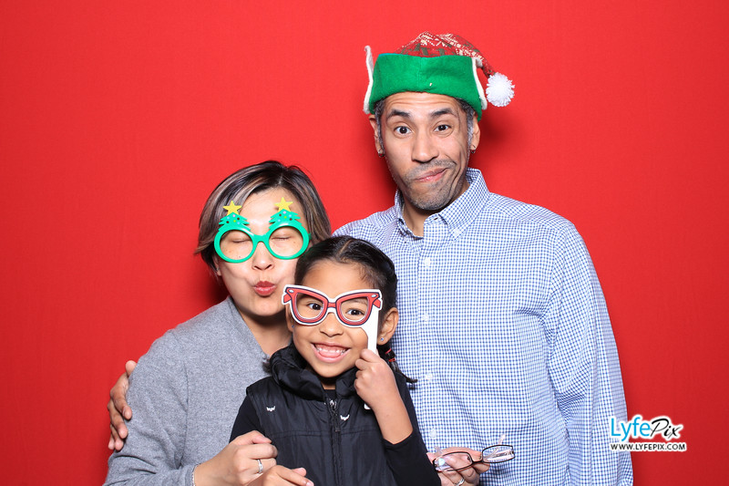 eastern-2018-holiday-party-sterling-virginia-photo-booth-0037.jpg