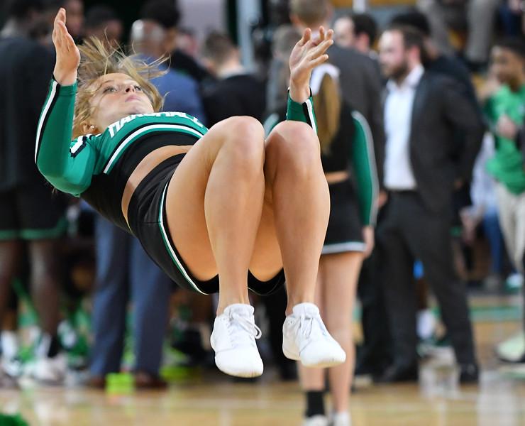 cheerleaders0705.jpg