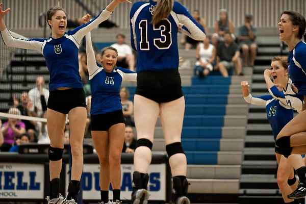 BHS Volleyball v Lynnwood 2011