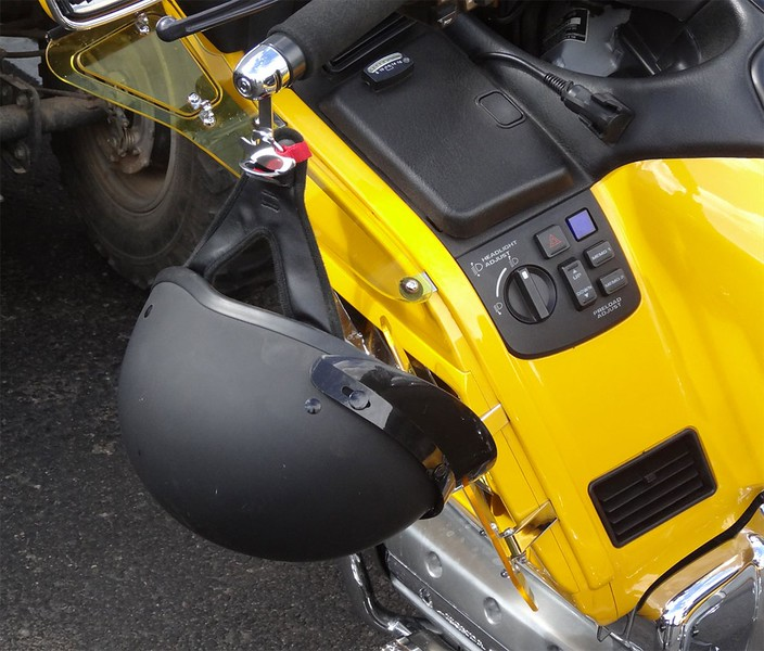 Lidlox Item 1021-C on a 2001 Gold Wing