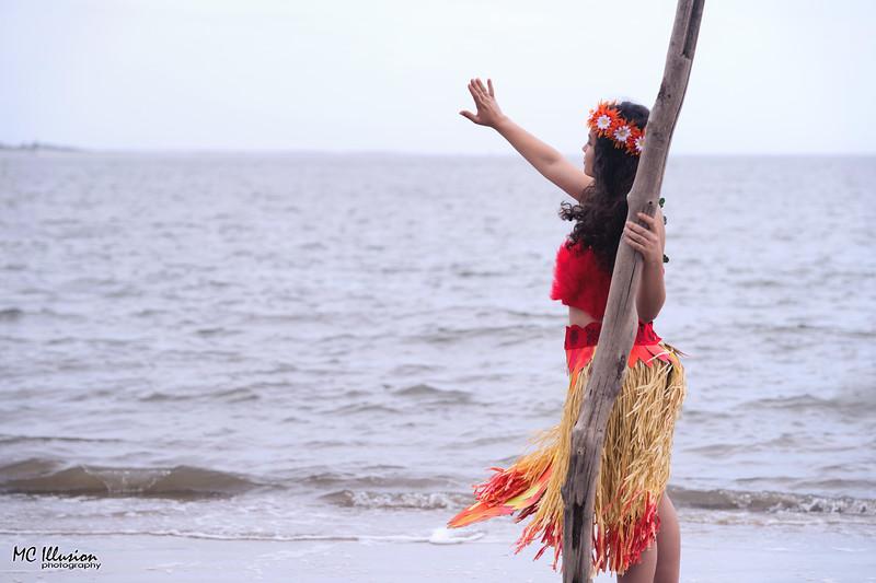 2018 04 21_Valeria Mohana Driftwood Beach_3505a1.jpg
