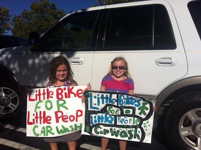 Little People  Little Bikes - Car Wash