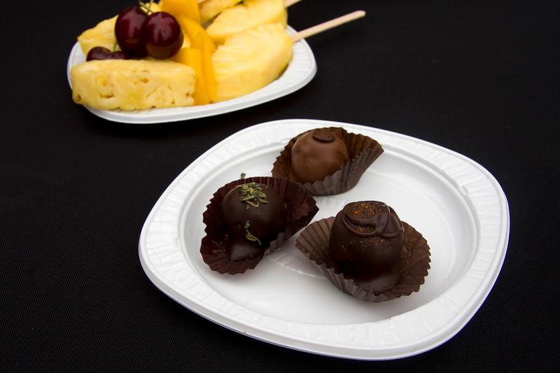 handmade-organic-fair-trade-truffles-from-kakayo-chocolate-company_3622724051_o.jpg