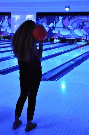 091214 Amelias Birthday & Cosmic Bowling