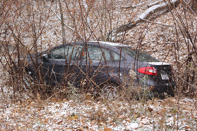 Car into Ditch, Snow, Bottom of Market Street, Elm Street, Tamaqua (11-26-2013)