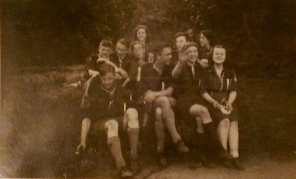 1940-06 Scouts & Guides at Heighley Castle