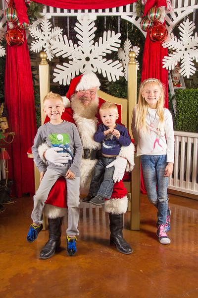 Santa 12-16-17-184.jpg